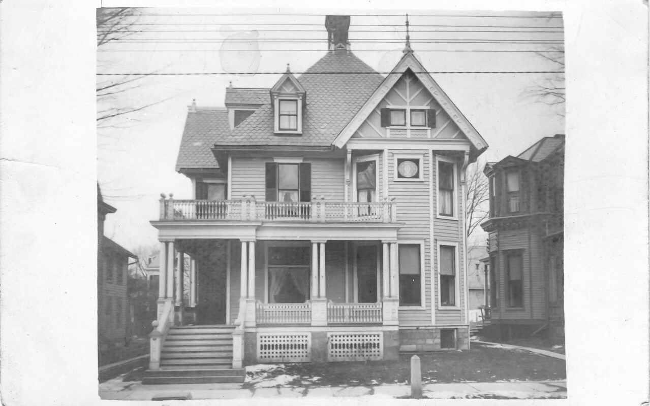 This is the home of Frank H Beach at 121 Murray St in Binghamton. Elizabeth Sherwood Beach (to be Bierer) was born in this house. Ralph W Bierer (to be husband of Elizabeth) bought the house next door at 123 Murray.