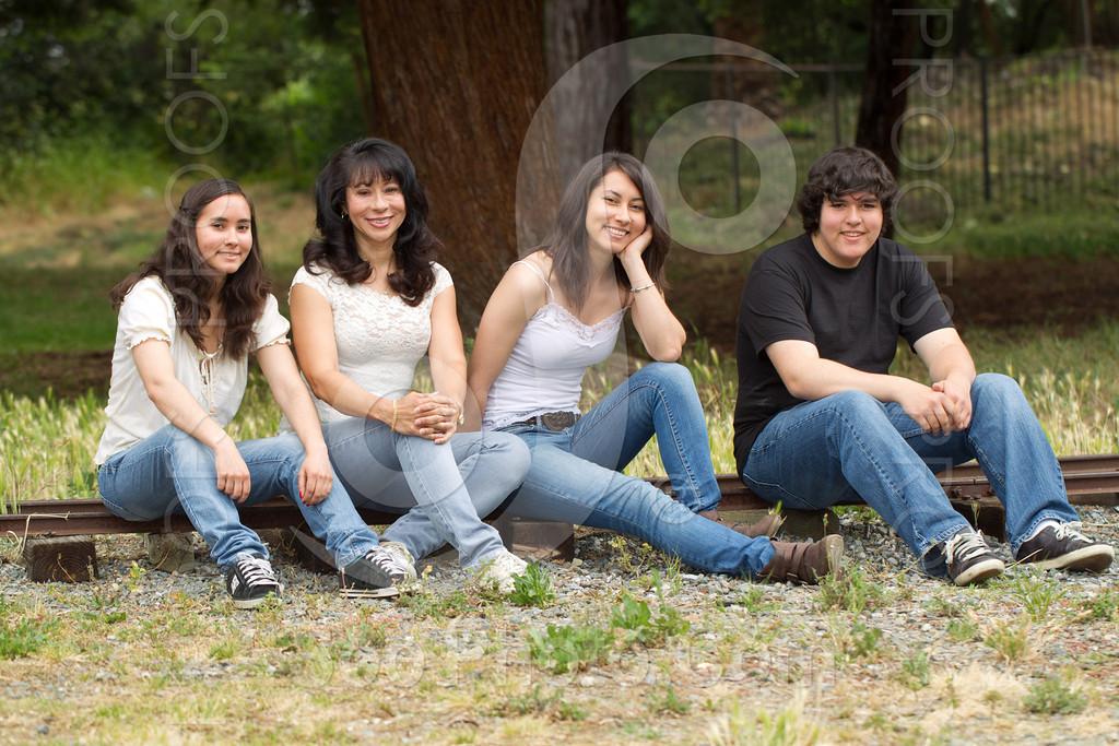maria-family-7680