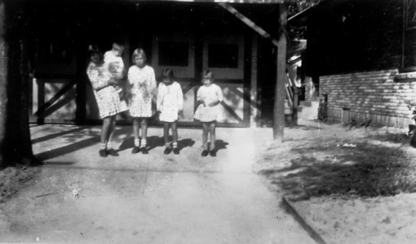 Teddy (holding Maria), Clara and Frieda Jacob 1102 Omar Houston, Texas 1929