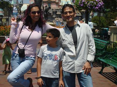 Tia Loca, Cesar & Mario @ Disney August 09