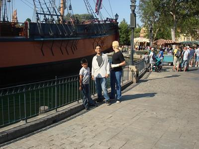 Cesar, Mario & Rob @ Disney 08-09