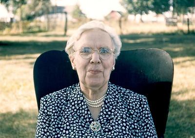 G Aunt Belle (Isabelle Singer Melick)
