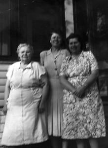 Minnie Marling, Helen Salisbury, Rilda (Marling) Rasmussen - 1950's
