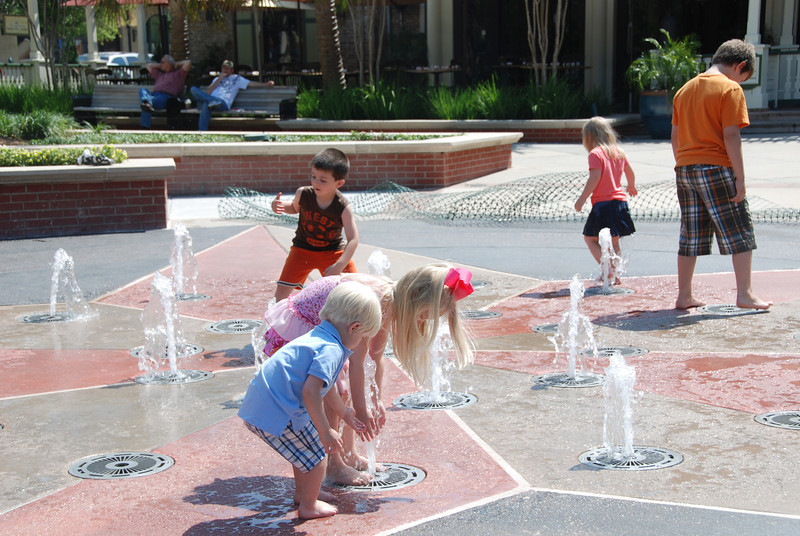 On our trip to The Woodlands we got to go to the splash pad in Market Street.