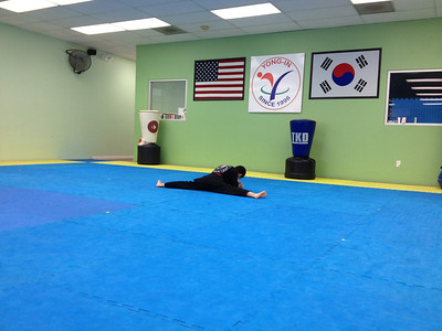 black belt physical test 前。