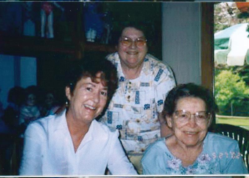 Nancy & Evelyn Faust (F)<br /> Geraldine Julia Cummings Kelly<br /> 2002