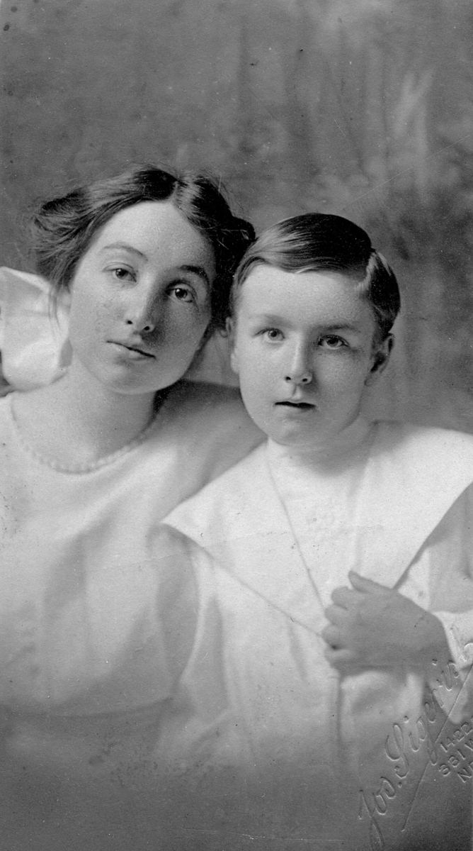 Edna May Rigdon and Homer Manson McChesney about 1912