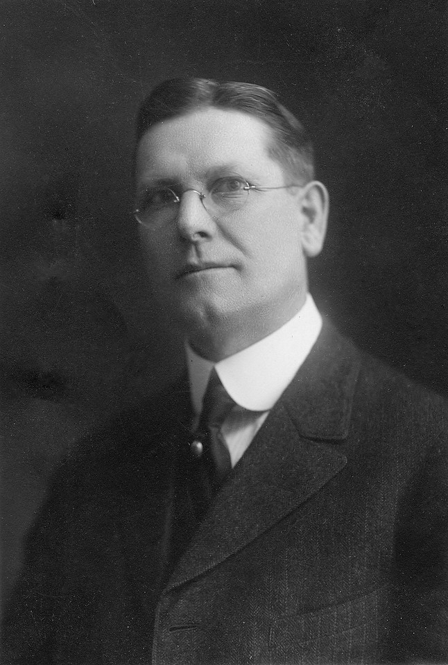 Leroy Edward McChesney Sr. about 1920 (just a guess).