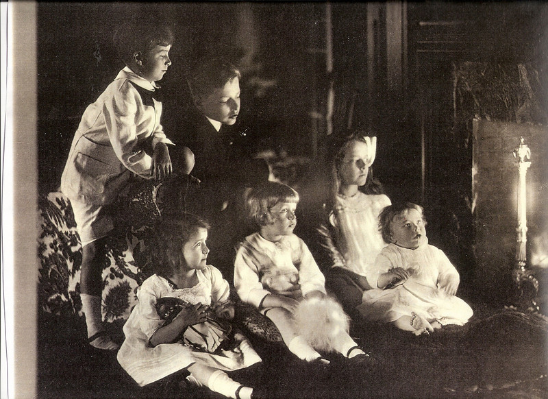 Children of Clare and Grace Draper in Hopedale, abt 1913