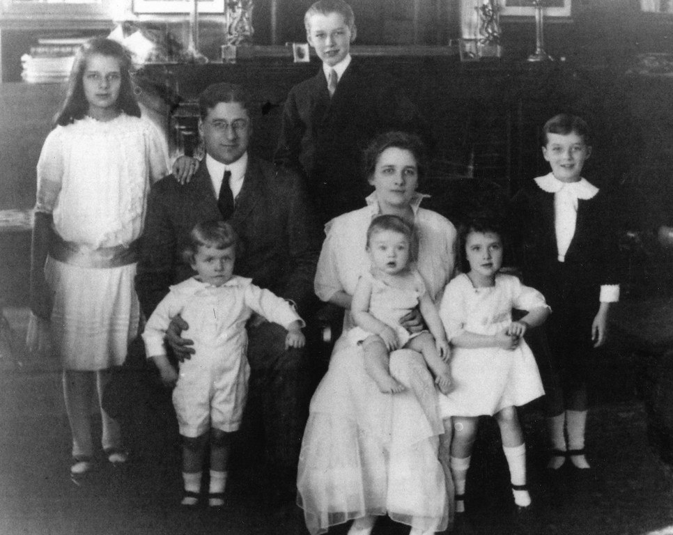 Draper Children with Family_1
