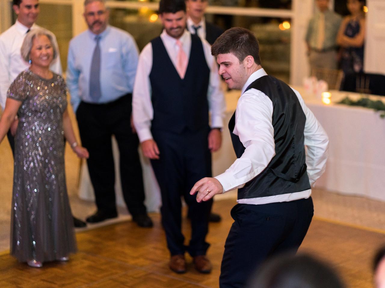 Bro dance off