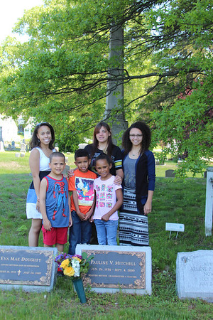 "Mommy's Grands... Candice, Mychael, Jeremy,Chesli, ""the evil twin"" Madison and Justine"