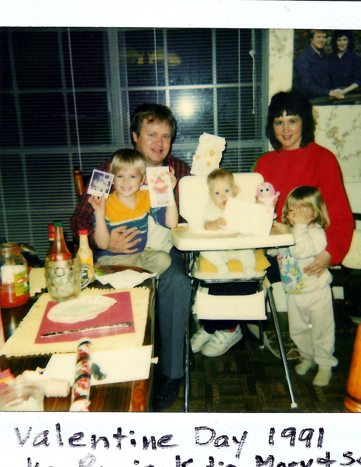 One big happy family!  The Humphries family together at our home.  Luke, Ronnie (Dad), Katie, Mary Jane (Mom), and Sarah Jane.  Had lots of good times in this dining room.  The most important thing in the world to me has always been my family!  :)