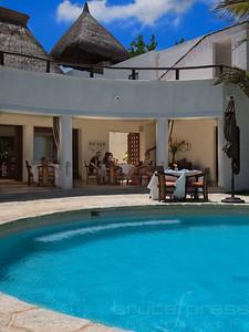 20170510134945-Cancun