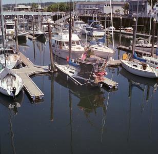 Sailhouseboat