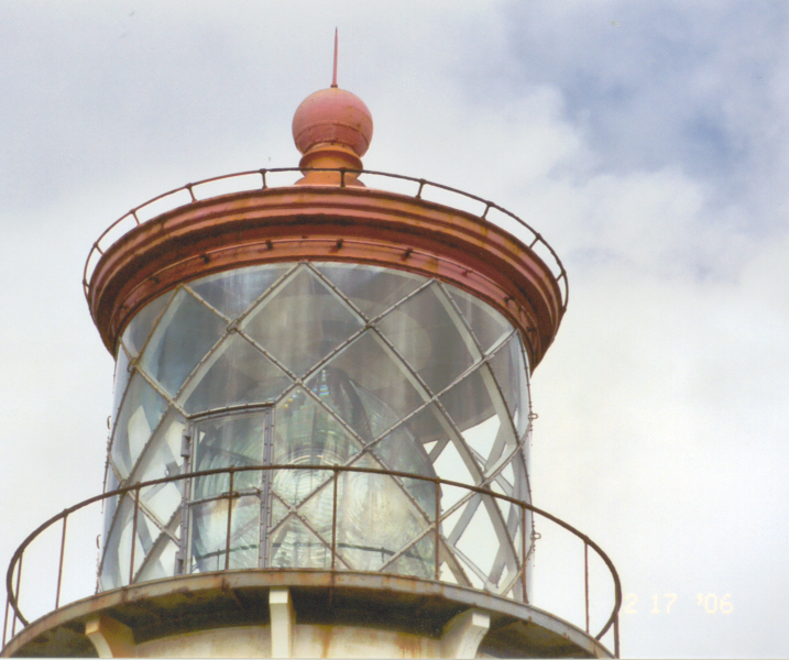 Kilauea Lighthouse, built 1913, with largest clamshell lens in world 2-17-06