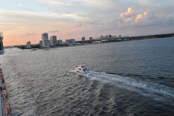Leaving Ft Lauderdale at sunset