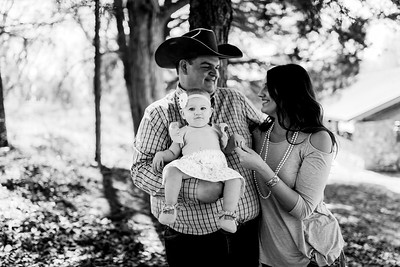 00009--©ADHPhotography2020--MILLER--FAMILY--April4bw