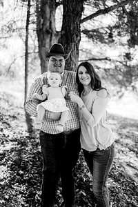 00002--©ADHPhotography2020--MILLER--FAMILY--April4bw