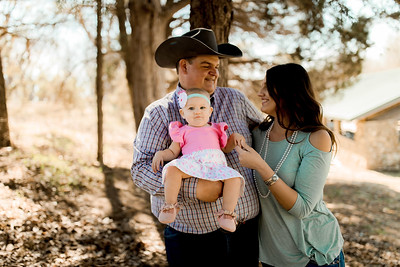 00008--©ADHPhotography2020--MILLER--FAMILY--April4