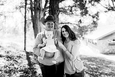 00006--©ADHPhotography2020--MILLER--FAMILY--April4bw