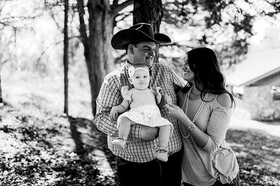 00010--©ADHPhotography2020--MILLER--FAMILY--April4bw