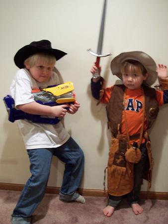 <b>Jan. '06: Costume Fun with Nephews</b>