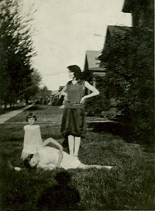 Grandma Gregg and sisters Cleota and Arlene - 1930