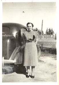 Elsie Moore Bontrager (Papa's Sister)