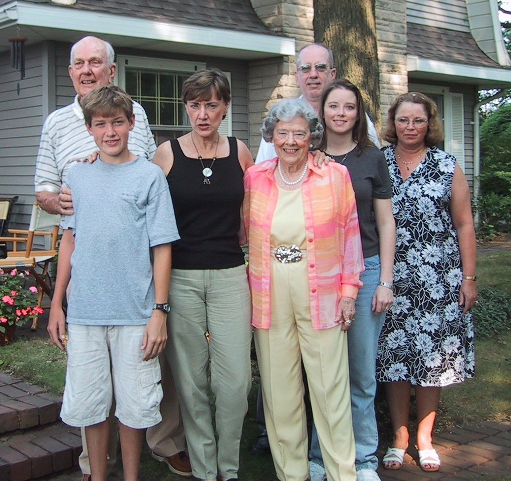 L to R: Dad (Dan Jr, I'm the third), Scott(Nephew), Karin (Sister), Mom (Nancy), Me, Ellen(Daughter), Jenny(Wife).