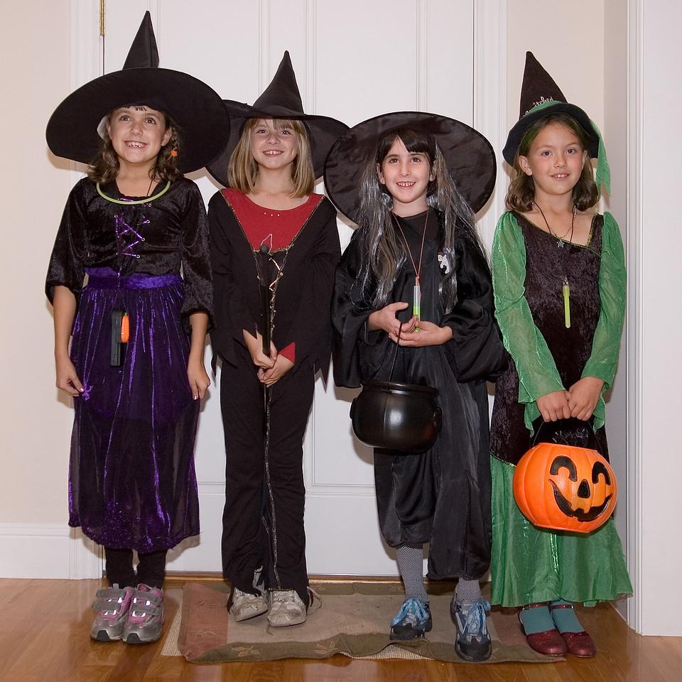 Halloween 2005 - Kelsey, Sara, Inbar, Evelyn