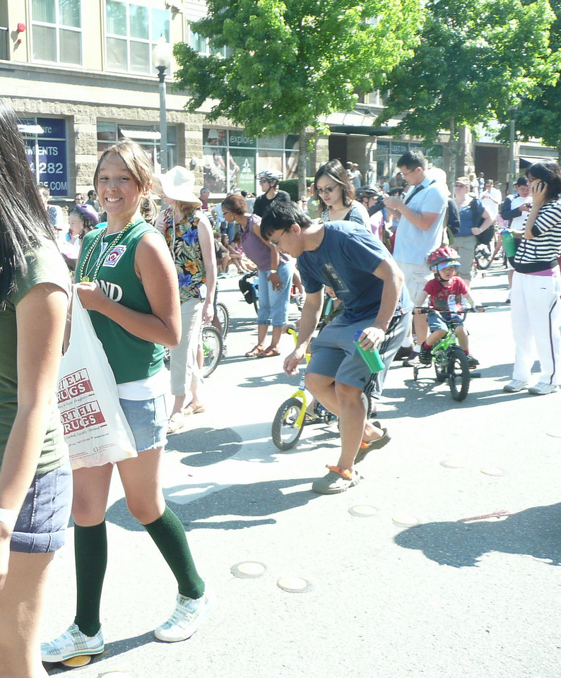 Beastiro passing out candy at the Derby Days parade today!  Thank BB!