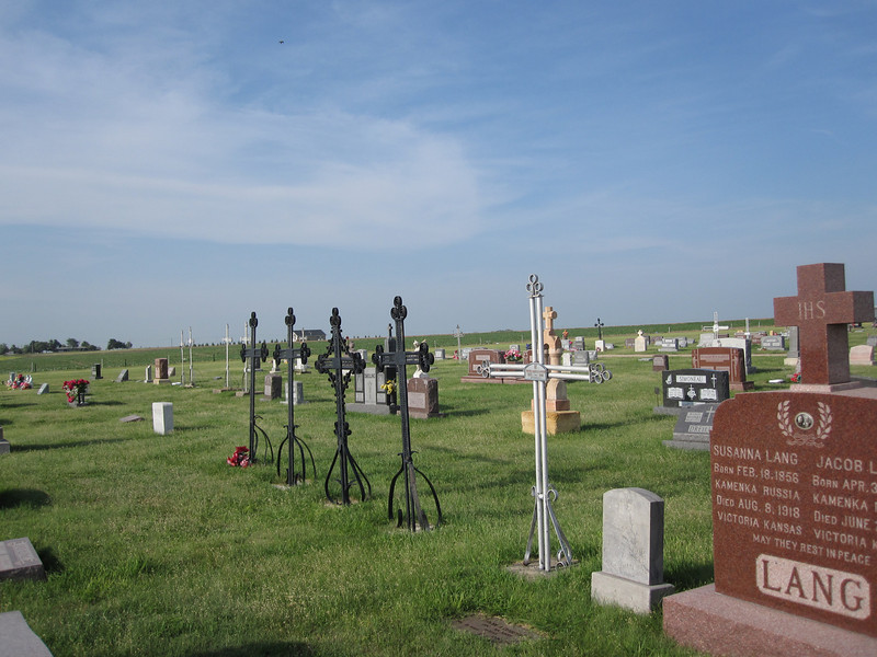 A view off to the north, to give an idea of the cemetery's basic situation out on the wide-open plains.