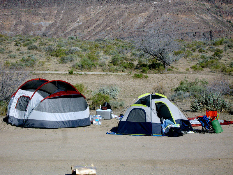 Sunday morning at our in Hole In the Wall group camp site.