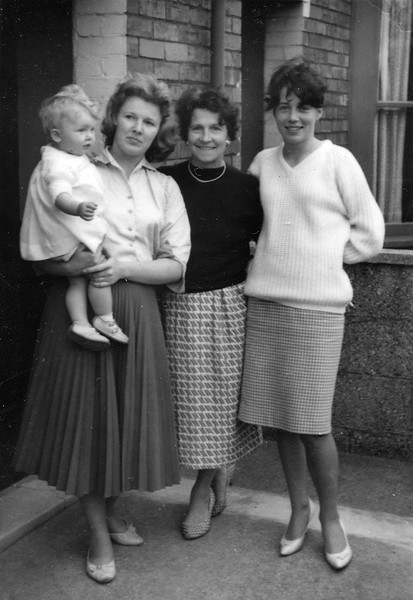 Maria, Olga, Oma and Jana. Swindon, 1960.