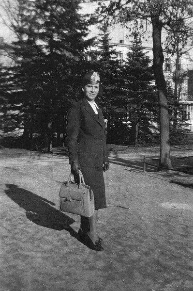 Oma. Warnemünde, 1944.
