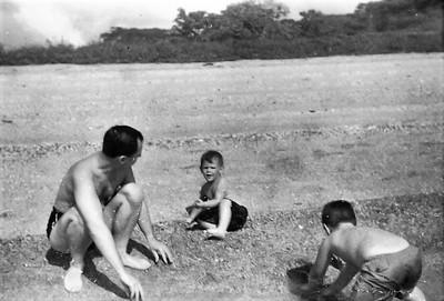 1947 RAM 12 002 at Farfan Beach Panama with HEM & WHM-2