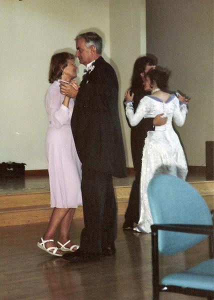 Susan's wedding, mom/dad, susan/marting