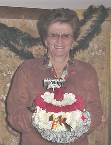 Mom 78th Birthday cake from Winns (2)