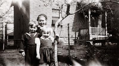 Roger, Zoe, and Evie Swingle
