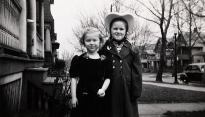 Dorothy Jean Crafts and Zoe Ellen Swingle