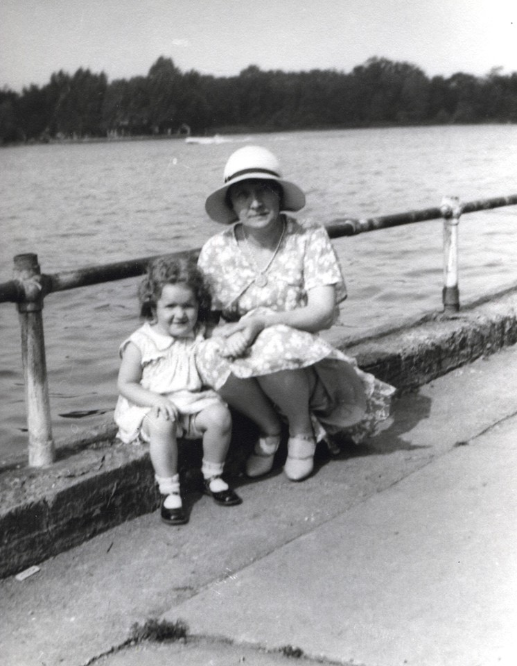 Patricia Jean Potwin and her mother, Mary Elizabeth at Celoron Park, NY, 1930
