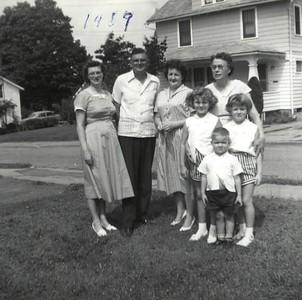 Janet, Evald (Grandpa), Patricia, Linda, Hazel (Grandma), Gary, Kathy