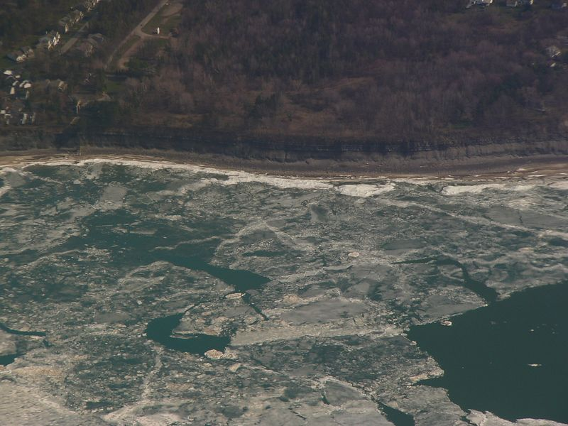 Ice on Lake Erie is breaking up!