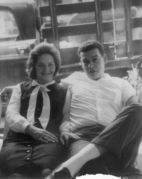 Myrtle St., June 1965, Pregnant with Lynne