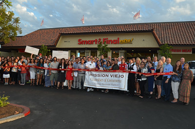 Store_713_M_V_Ribbon_Cut_01