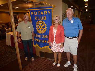Lisa and some of the Sunrise Rotary crew