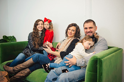 Montemayor Family Portrait 2018 073