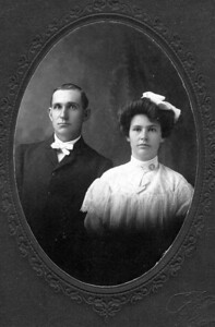 WEDDING PHOTO James Percival and Chloe Canzanda (White) Columbus wedding photo - Dec 1, 1904