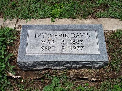 """DAVIS, IVY """"MAMIE"""" San Saba City Cemetery, San Saba, Texas"""